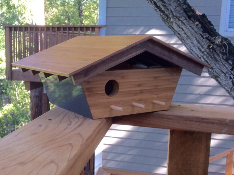 Sourgrassbuilt builds birdhouses inspired from historic architecture_2