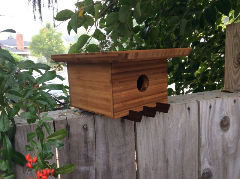Sourgrassbuilt builds birdhouses inspired from historic architecture_4