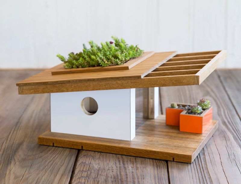 Sourgrassbuilt builds birdhouses inspired from historic architecture_5