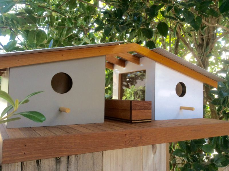 Sourgrassbuilt builds birdhouses inspired from historic architecture_8