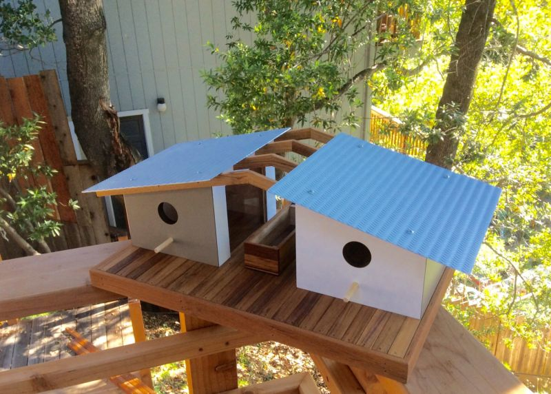 Sourgrassbuilt builds birdhouses inspired from historic architecture_9
