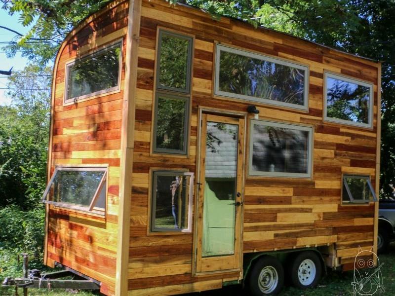 Tiny house by Carpenter Owl Daniel Weddls