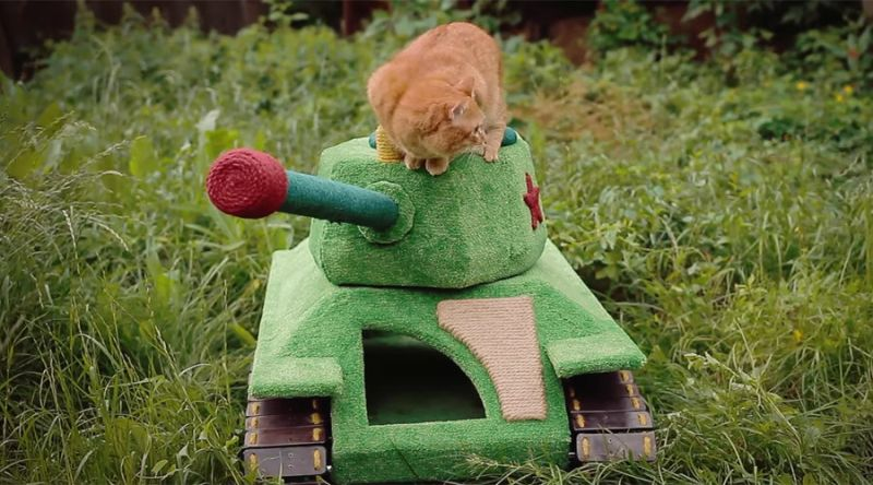 military tank-shaped toy house