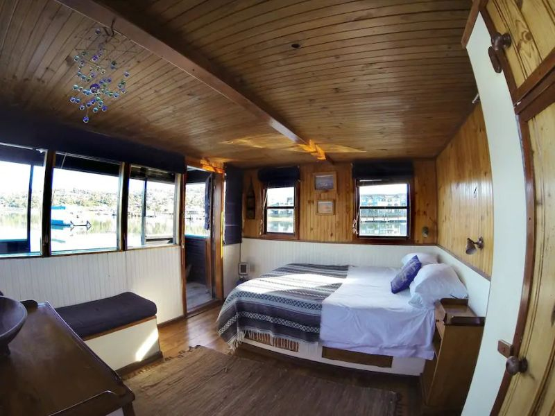 Houseboat Myrtle in Knysna Lagoon, South Africa