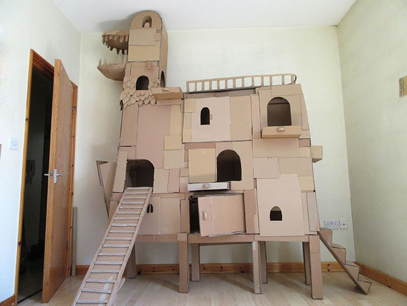 This Kitty Lover Built Spacious Diy Cathouse From Cardboard