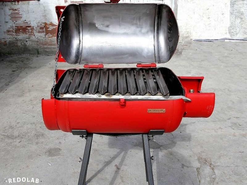 Paradox recycled coal barbecue by Redolab