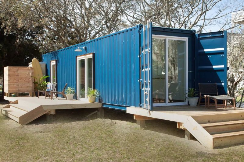 Shipping container vacation rental in Carolina Beach, US