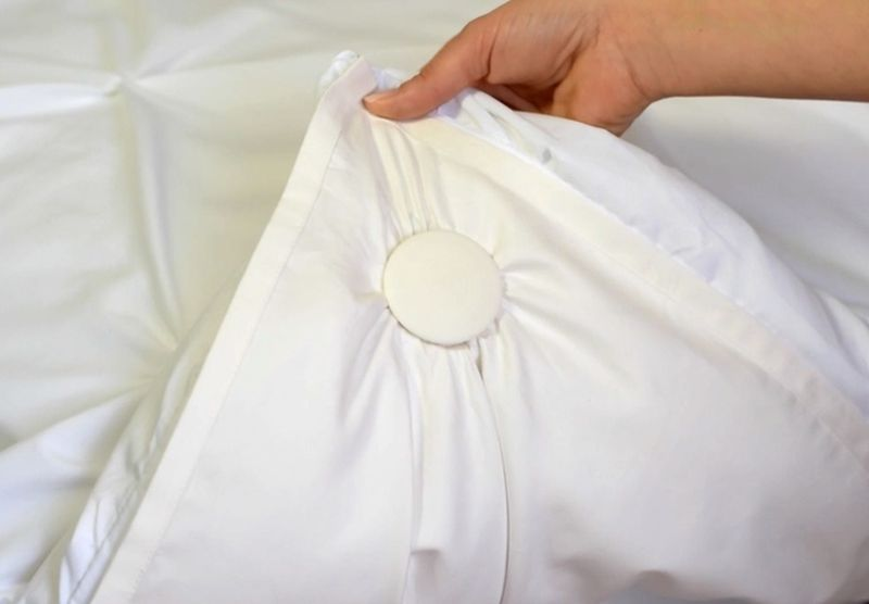 Clip your duvet , duvet cover and the inflatable sheet