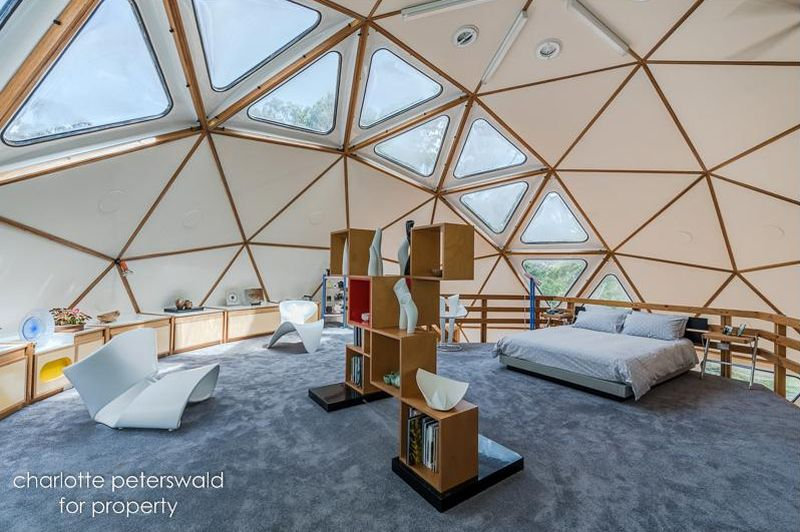Geo-dome house by John and Penny Smith