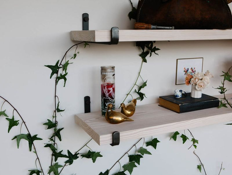 Shelf brackets by FAMILY
