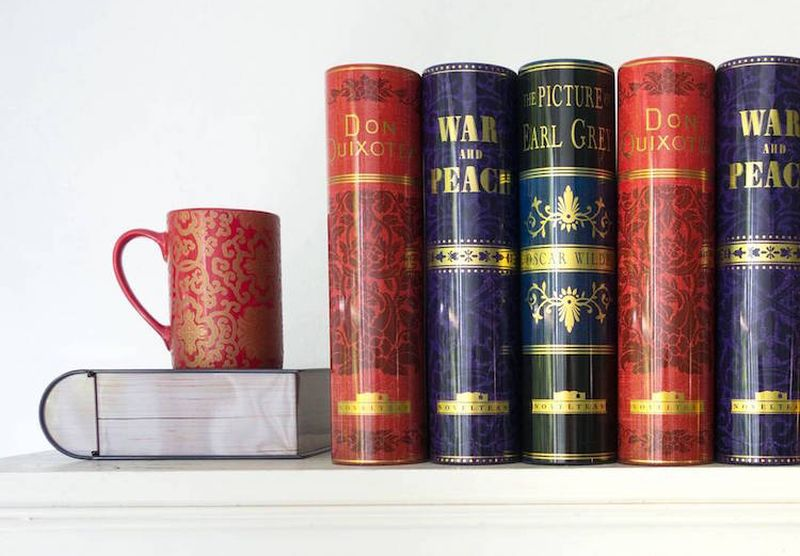 NovelTeas-book-shaped-tea-tins