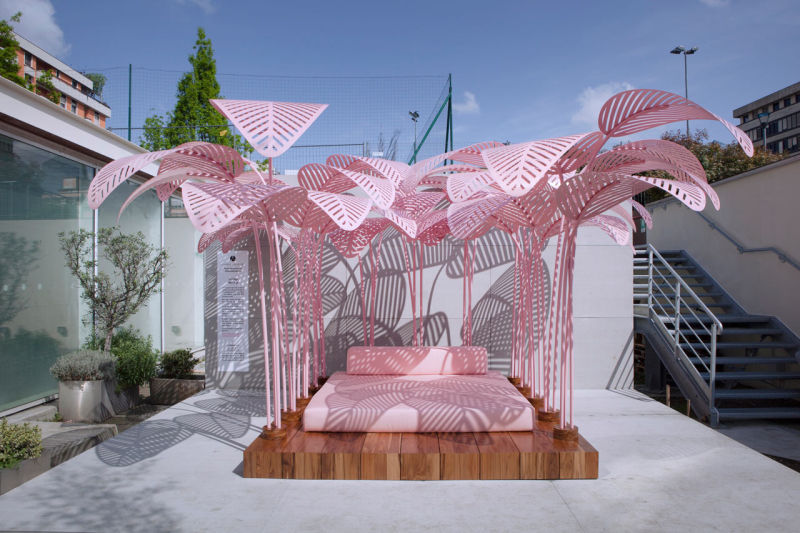 Le Refuge daybeds by Marc Ange come with overhead metal leaves