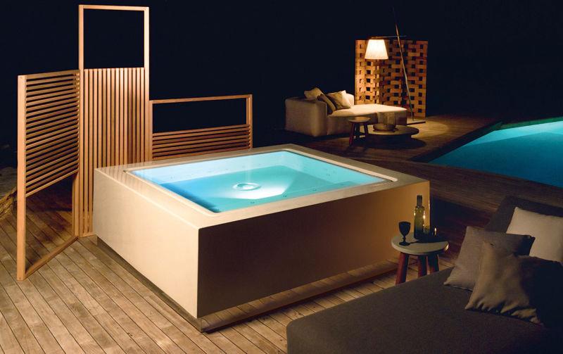 Quadrat mini pool is a Jacuzzi in disguise