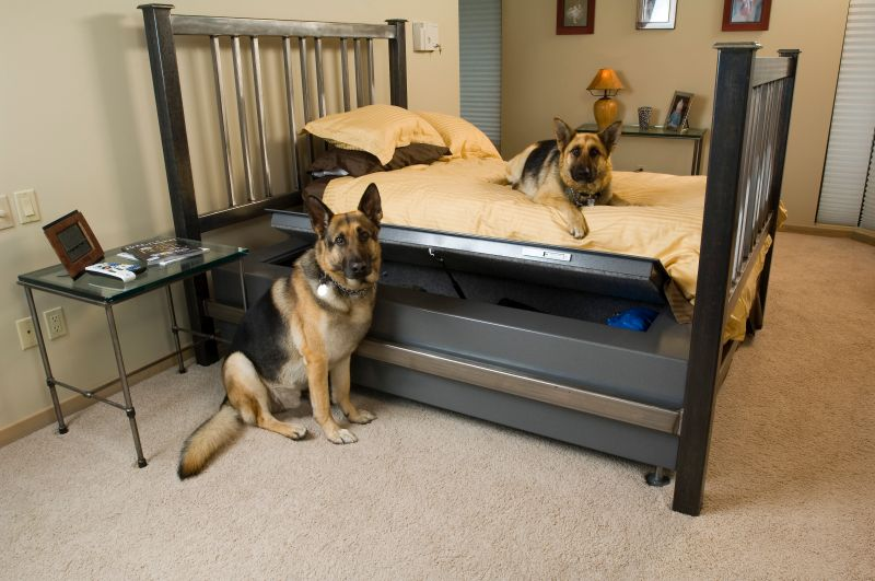 Weapon storage bed by Heracles Research Corporation
