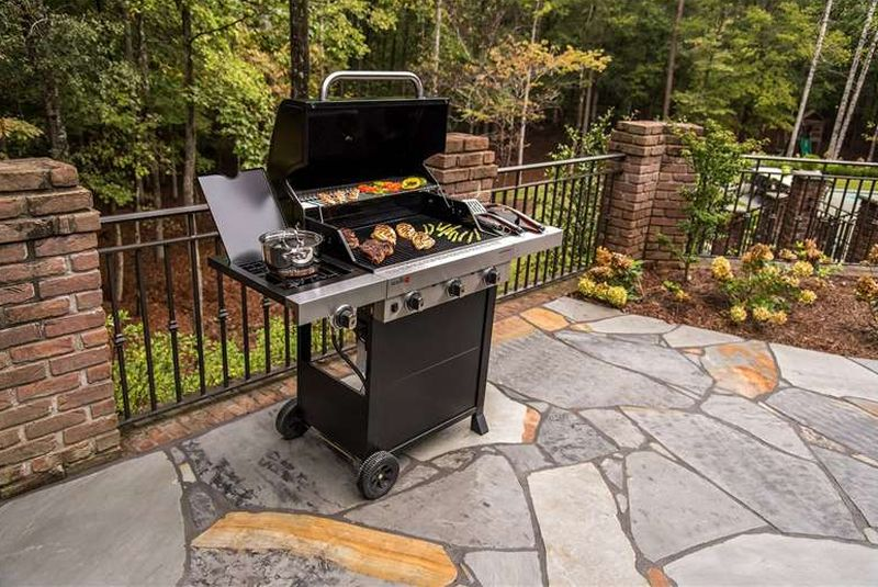 Char-Broil Performance Tru Infrared 450 outdoor gas grill