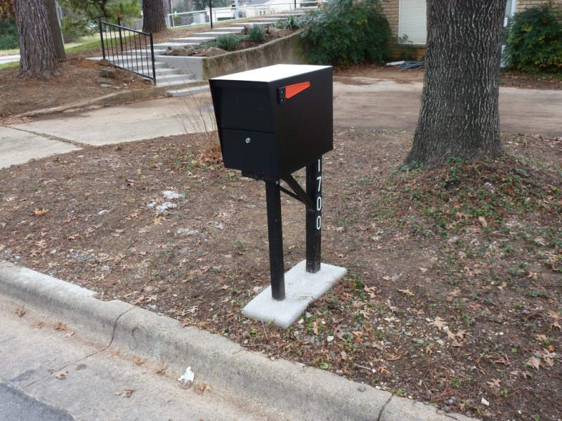 Mail Boss mailbox with anti-pry latch protects your identity from mail thieves