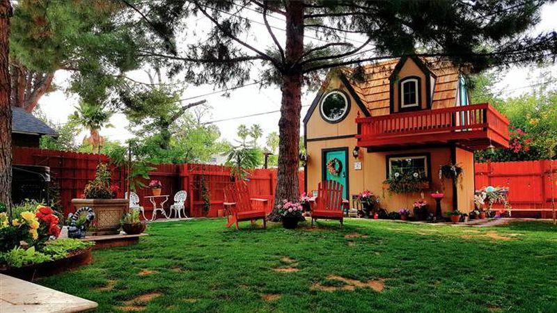 Alex and Tysen Kaminski playhouse, Alex Kaminski playhouse