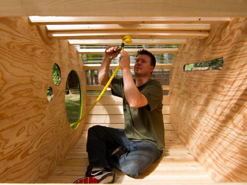 DIY hanging treehouse