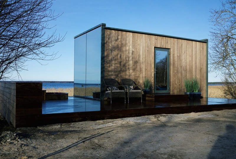 OOD mirror cabin can be set up in 8 hours as a vacation rental