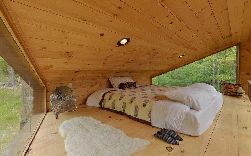 Woodstock town's Inhabit Treehouse bedroom