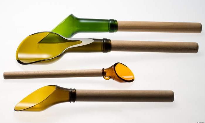 Wine bottle spoons
