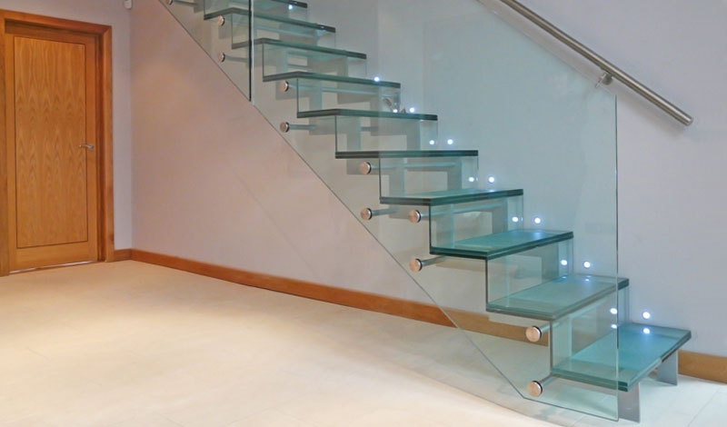 Glass stairs by Diapo