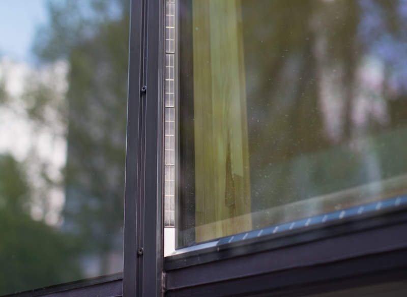 Physee's PowerWindows comes with built-in solar panels