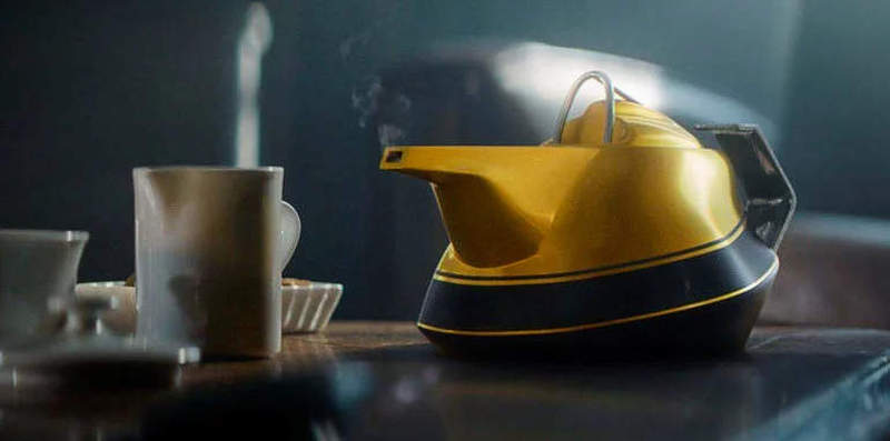Renault introduces yellow Teapot to celebrate 40 years in F1