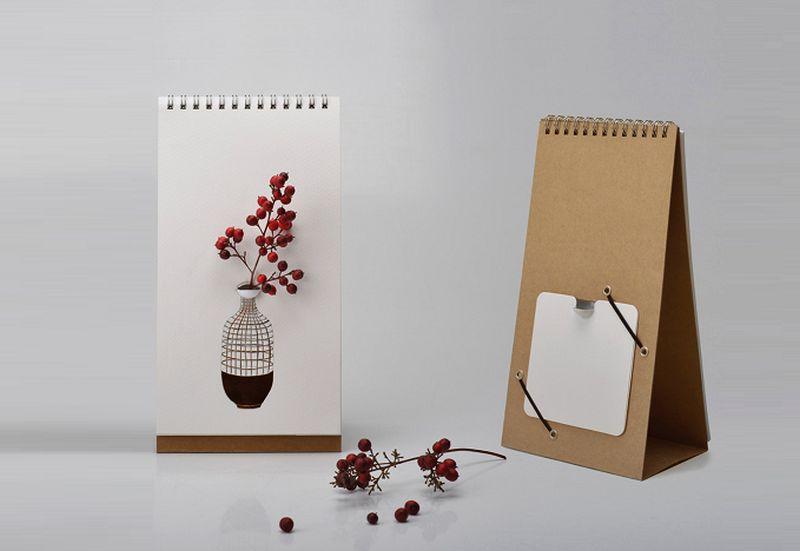 Tabletop flip vase
