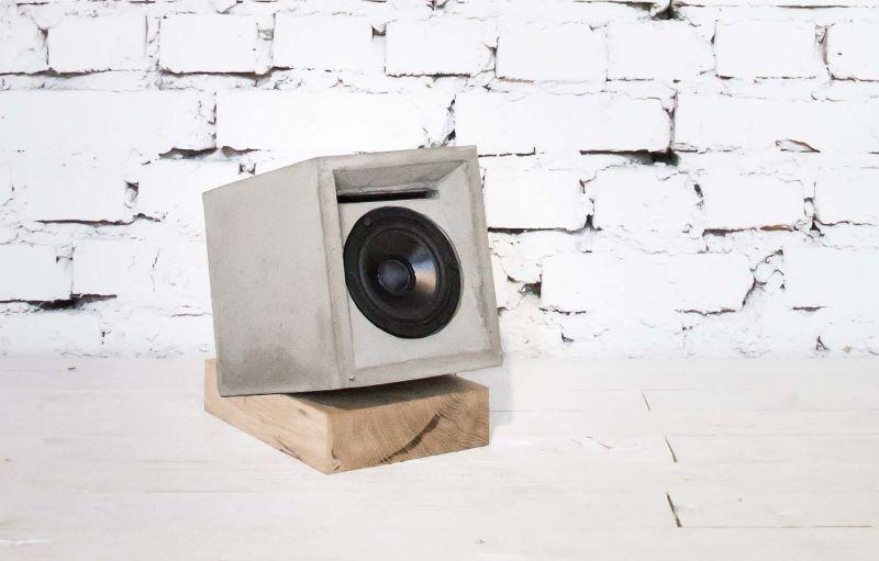 Concrete speaker by Marlen