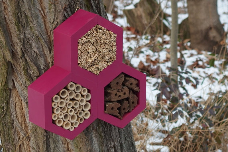 BEE HOTEL for honey bees