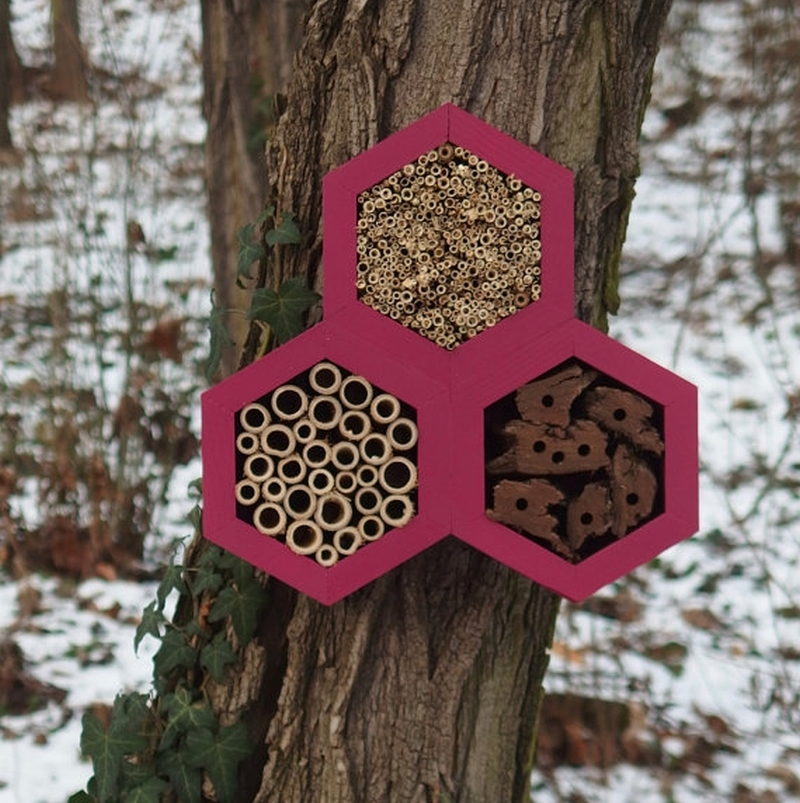 BEE HOTEL for honey bees_