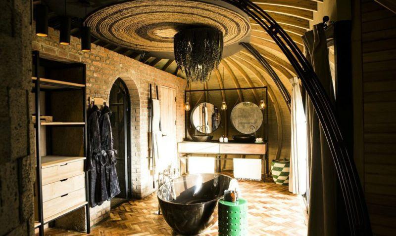 Bisate Lodge bathroom
