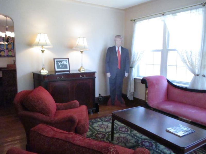 Donald Trump's childhood home on Airbnb-7