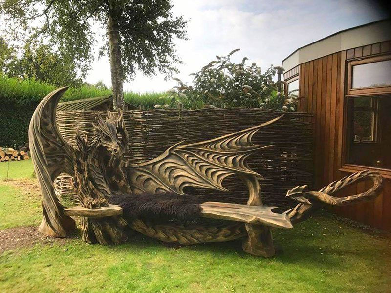 Igor Loskutow Wooden dragon bench