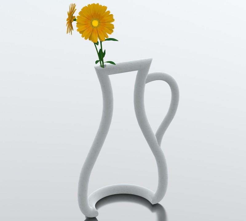 Outline vase by Yuko Tokuda