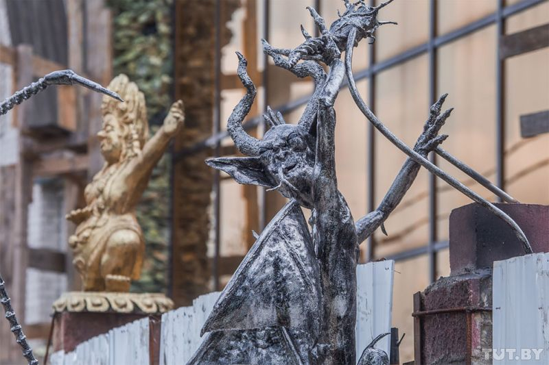 Devil sculptures look horrifying in Haunted house Belarus