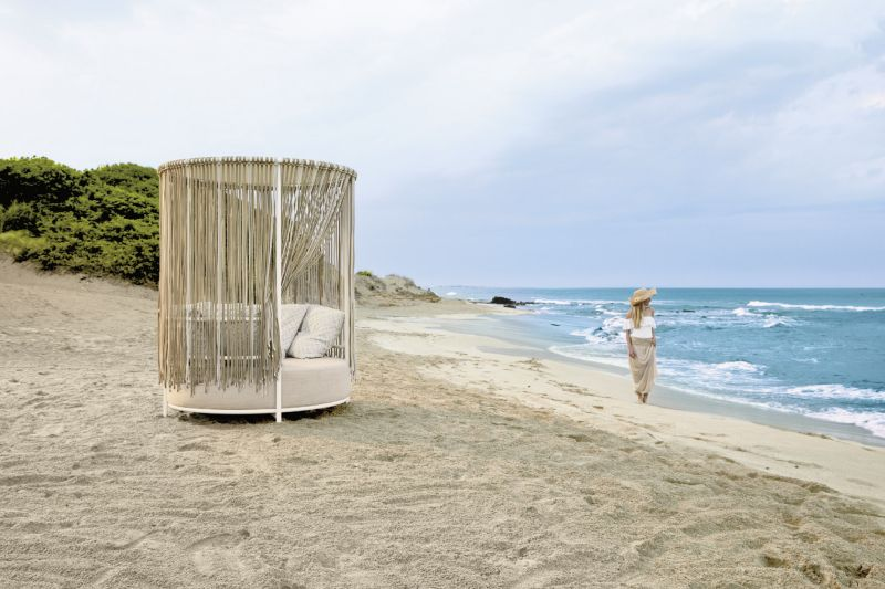 Unique Daybed by Technical Emotions for Roberti