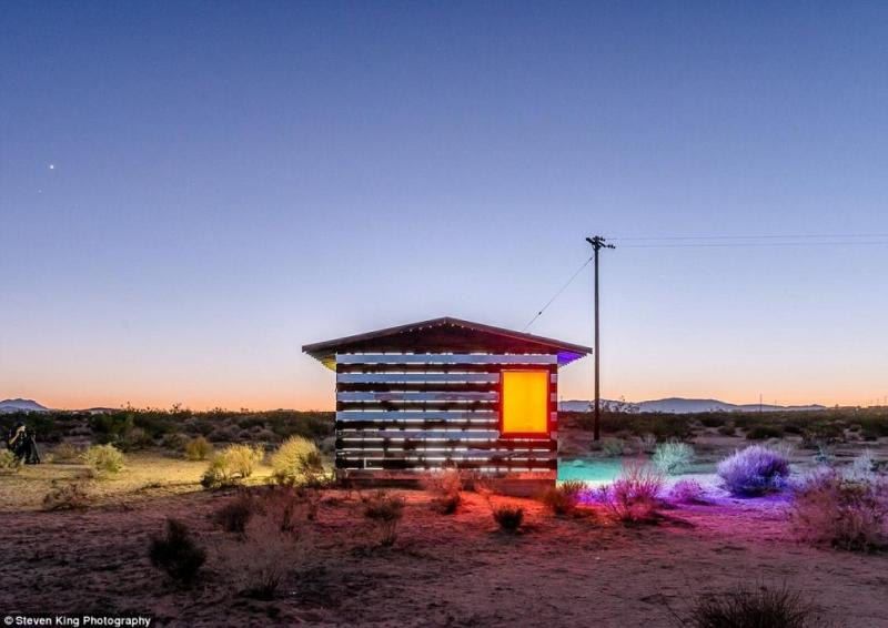 mirror cabin is designed by artist Philip K. Smith III