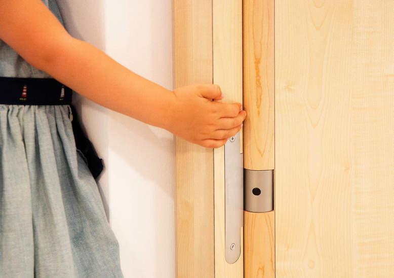 Simonswerk's innovative hinge system eliminates finger pinching risks