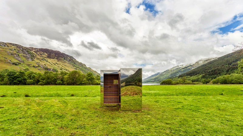 These mirror cabins blend into the surrounding landscape to go literally invisible