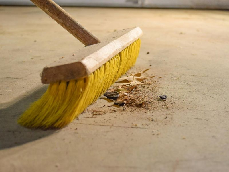 keeping your garage clean
