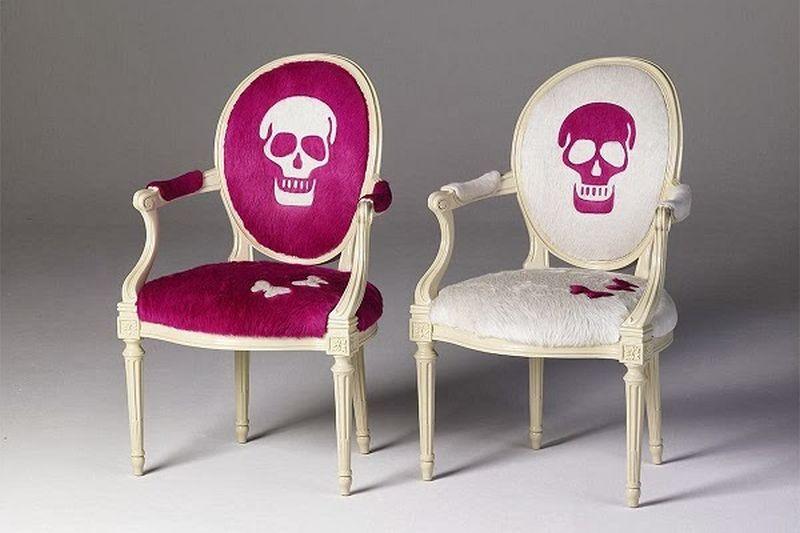 Skull chair byGeoffrey Bradfield