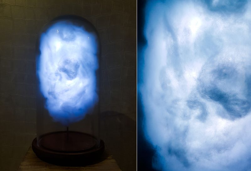 Twitter-powered cloud lamp flashes when Donald Trump tweets