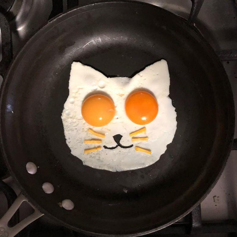 fried egg arts by Michele Baldini