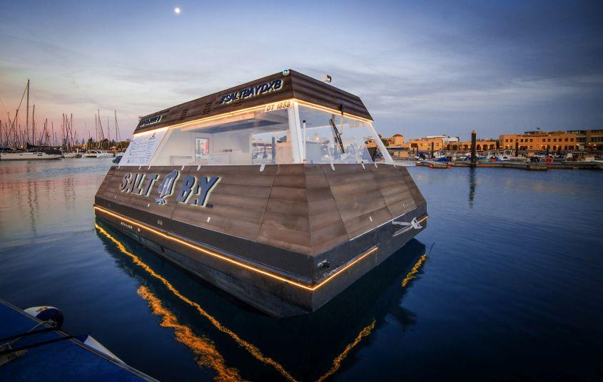 Aqua Pod: The World's First Floating Food Cart Debuts in Dubai