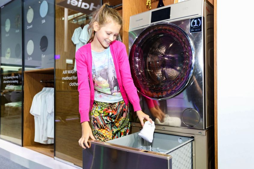 World's First Haier Shoe Washing Machine