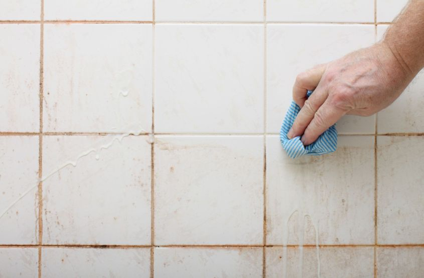 How to Clean Tiles & Grout with Homemade Solutions