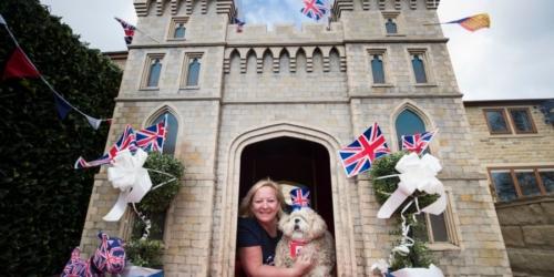 Royal Castle doghouse