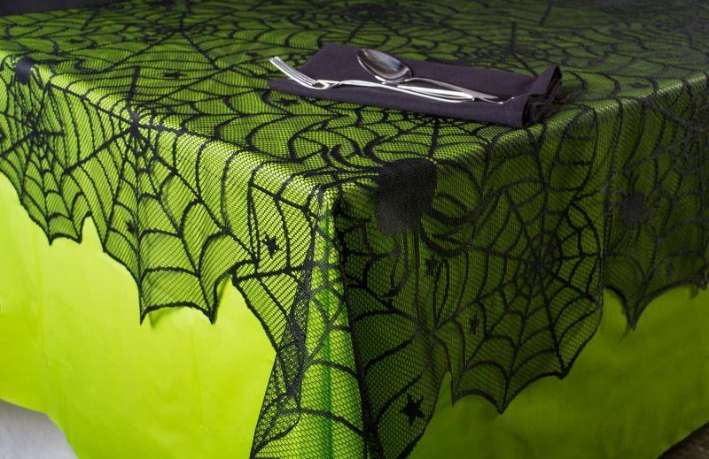 Skeleton dinner plate - Halloween kitchen ideas